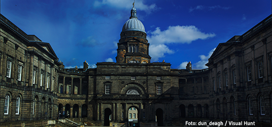 universidade de edinburghl